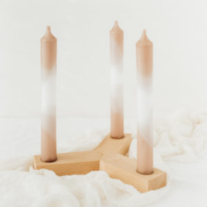 Kerzenhalter und Kerzen